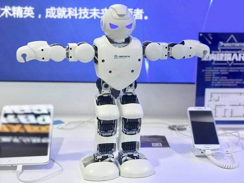 人工智能被二次写入政府报告,如何成为AI时代领跑者?