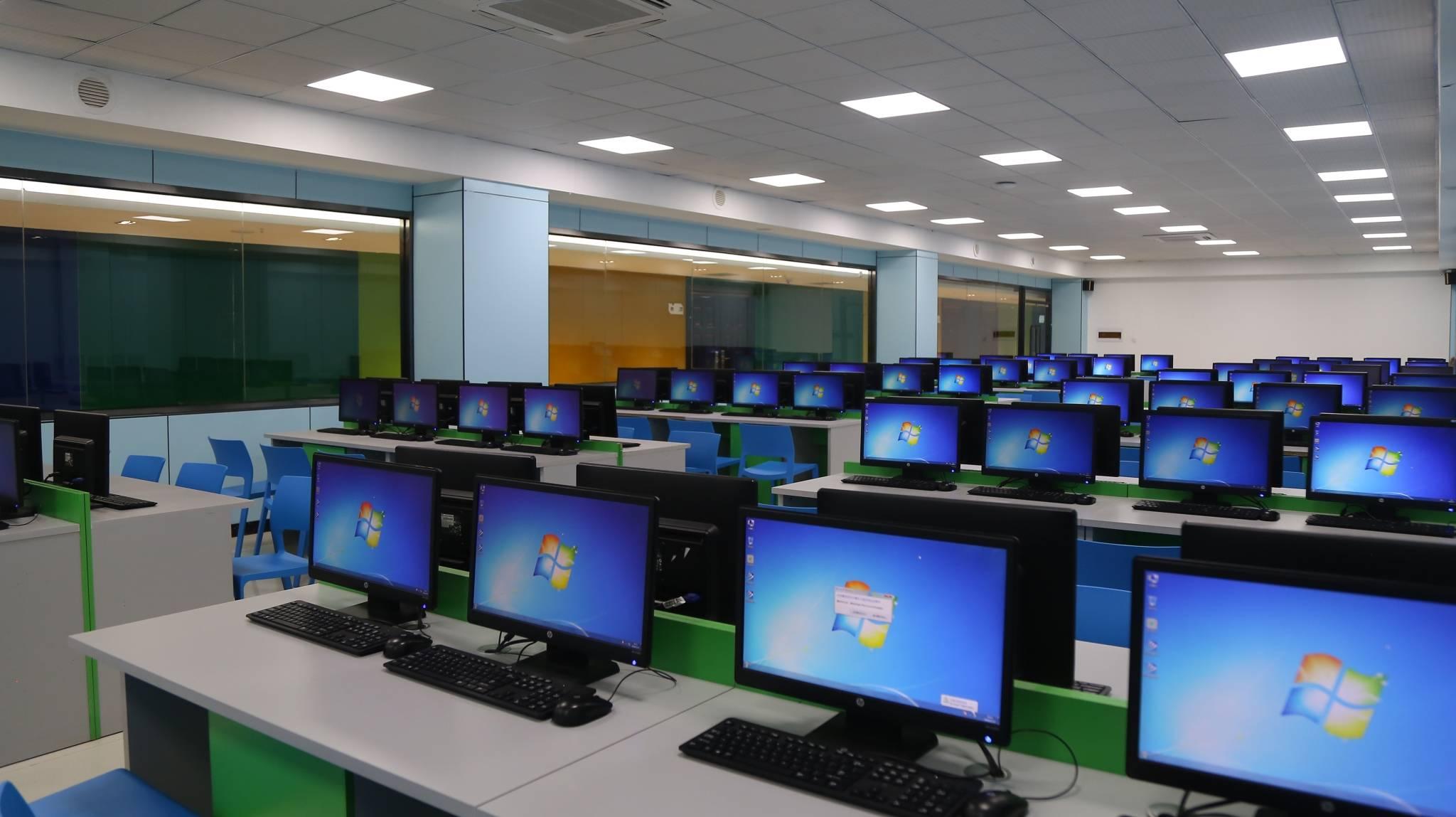大品牌、大投入、大规模教学,山西最大的电脑教育机房一览