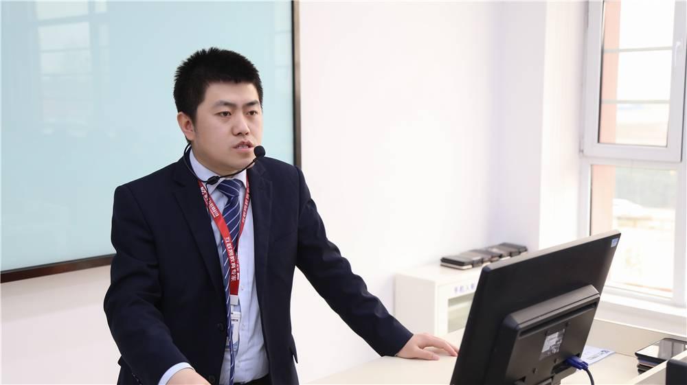 【新华名师】杜俊:爱岗爱校,以校为荣
