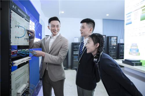 转载:新华电脑发放百万技能教育补贴金 为复产复工复学提供保障