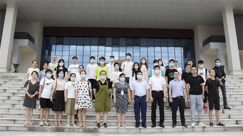 新华学子夺得第46届世界技能大赛省选拔赛第一名!